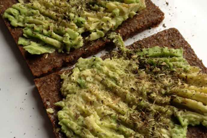 Veganchallenge-brood-met-avocado