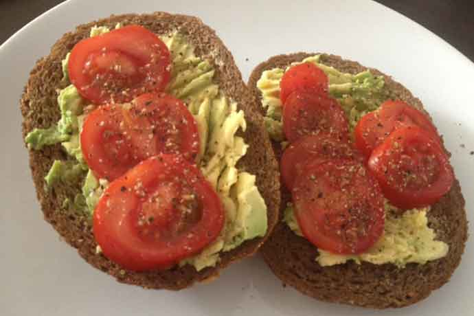 Veganchallenge brood-met-avocado