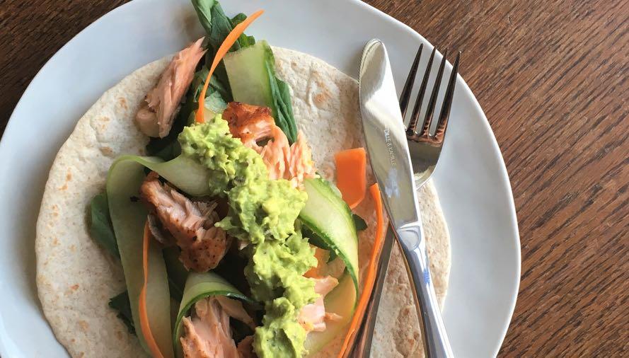 Tortilla's met zalm, raapstelen en avocadospread 2