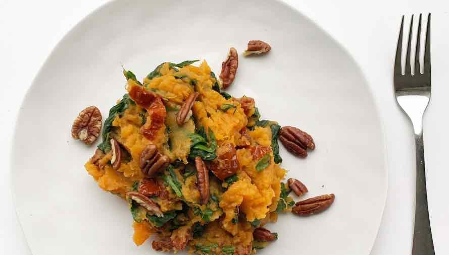 stamppot zoete aardappel spinazie met pecannoten